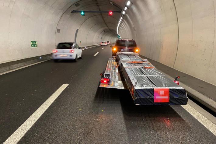 Wegen Ladung Kontrolle verloren auf der A7 bei Tägerwilen