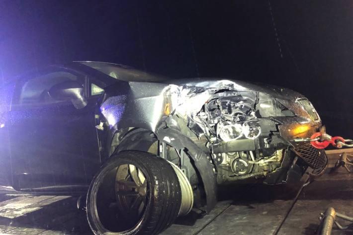 Der junge Autolenker baute in Buchs SG einen Totalschaden und fuhr weiter.