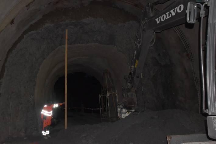 Gestern verletzte sich ein Bauarbeiter in Valendas GR im Tunnel.