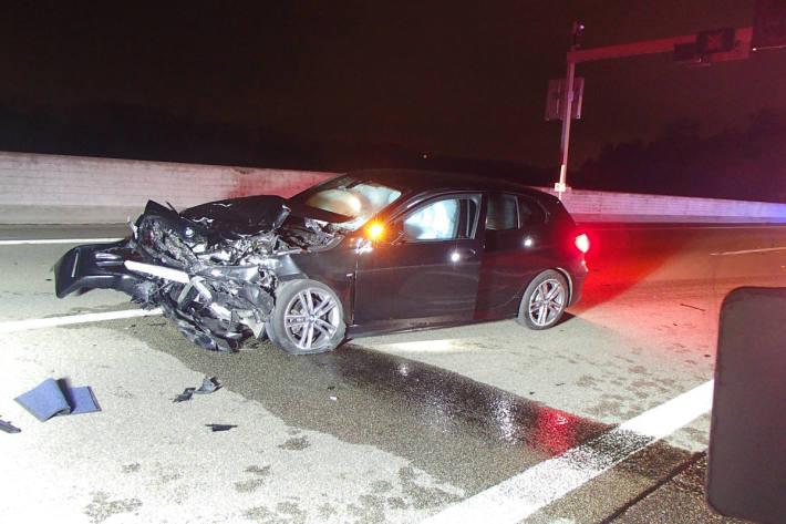 Mit überhöhter Geschwindigkeit und unter Alkoholeinfluss Unfall verursacht auf der A3 bei Brugg