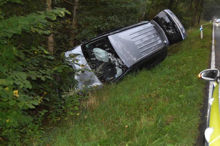 Schwerer Verkehrsunfall mit Pkw – Fahrer alkoholisiert