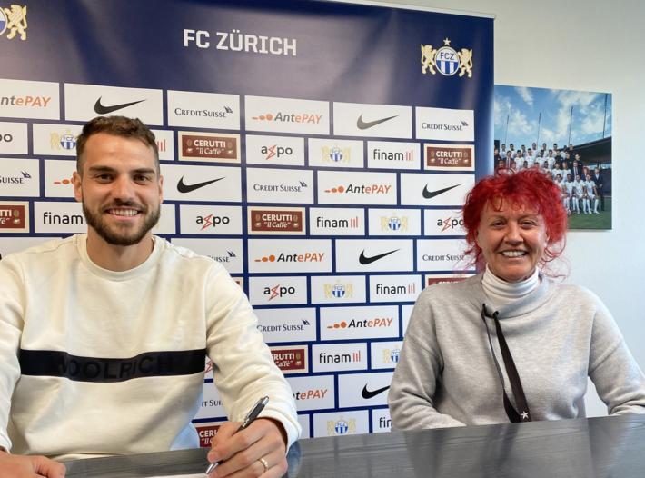 Yanick Brecher verlängert beim FC Zürich.