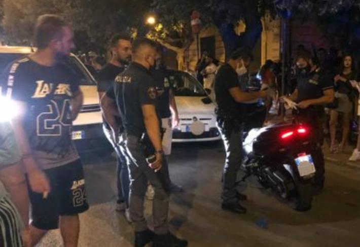In San Severo bei Foggia (IT) wurde gestern bei einem Überfall auch ein Kind lebensgefährlich verletzt.