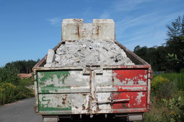 Lastwagen mit erheblichen Ladungssicherungsmängeln auf der A6 bei Kaiserslautern
