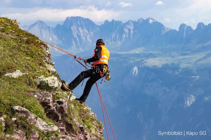 Mann bei Kletterunfall über 20 Meter in die Tiefe in Amden gestürz (Symbolbild)