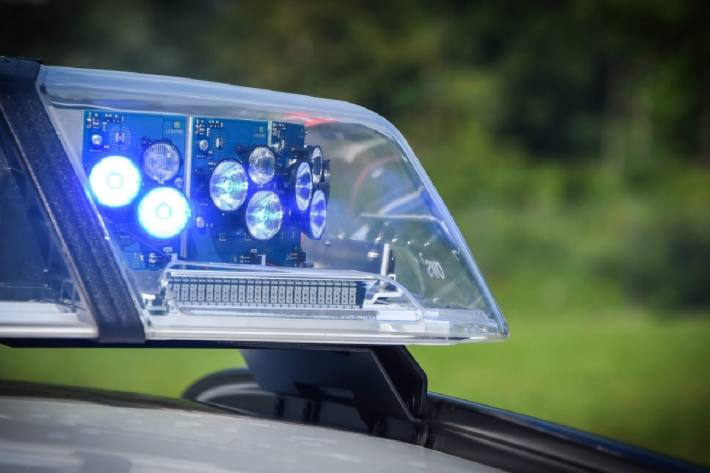 Gestern hat die Polizei eine Waldparty in Kirchberg aufgelöst (Symbolbild)