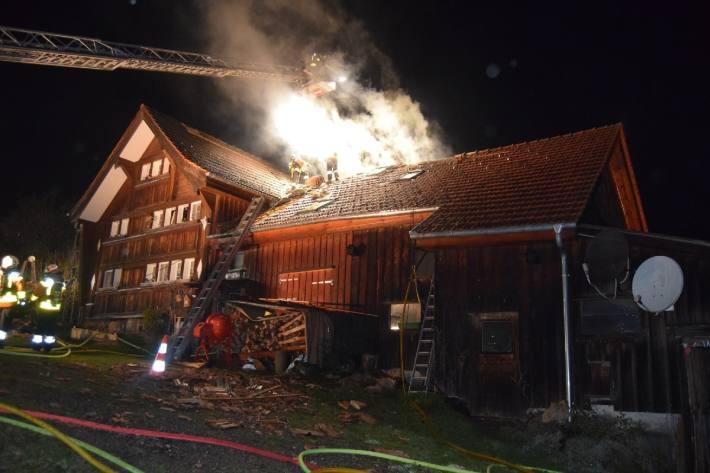 Bei einem Boilerbrand in Stein AR ist letzte Nacht grosser Sachschaden entstanden.