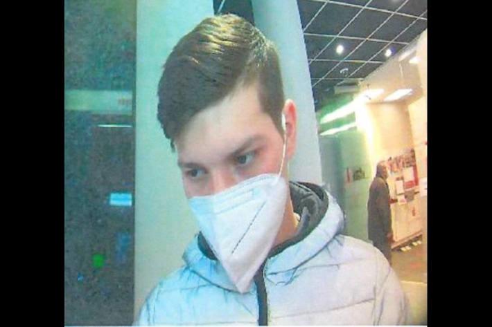 Polizei fahndet nach unbekanntem Betrüger in Düsseldorf