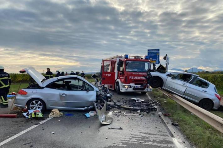 Tödlicher Verkehrsunfall auf der B272 bei Bornheim