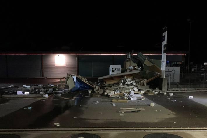 In Eglisau ZH wurde heute Nacht ein Bancomat gesprengt.