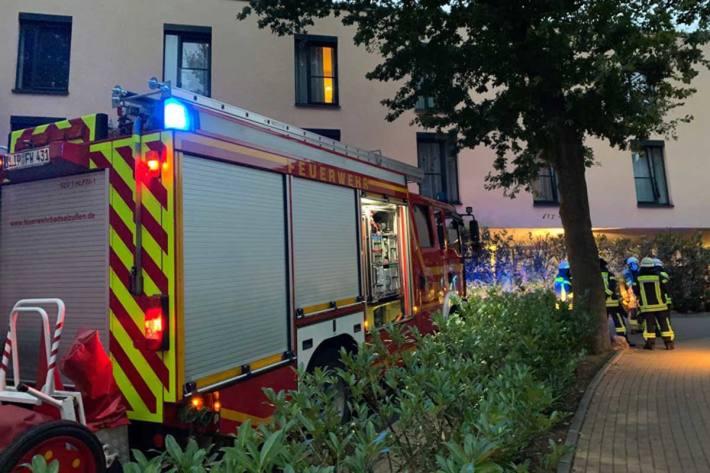 Trotz des schnellen Handelns der Pfleger vor Ort kam in Bad Salzuflen bei einem Brand eine Frau ums Leben