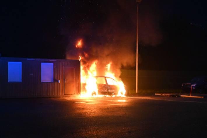 Am Freitagabend wurde in Vaduz Fl ein Auto in Brand gesetzt.