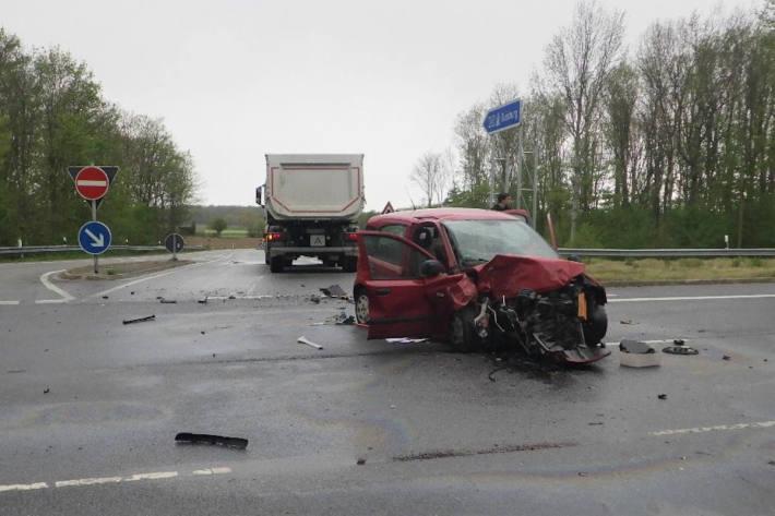 27-Jährige Autofahrerin schwer verletzt bei Wachtendonk-Wankum