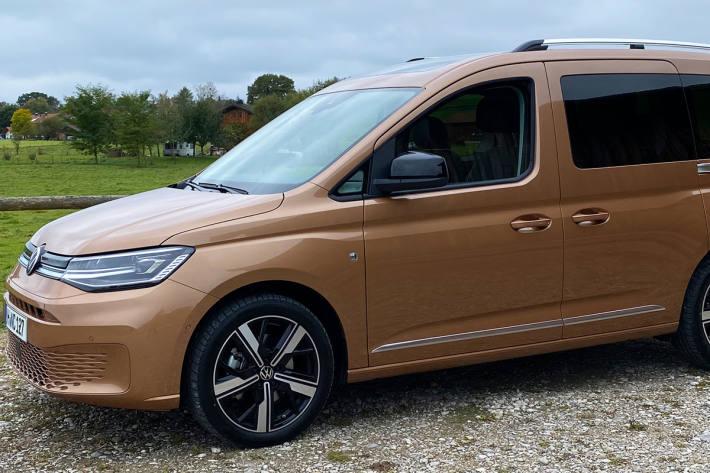 Der Caddy der 5. Generation bietet mehr Platz, neue Motoren und die modernsten Assistenzsysteme aus dem Konzern
