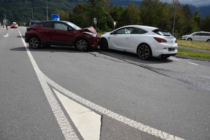 Der Schaden an den Fahrzeugen ist beträchtlich.