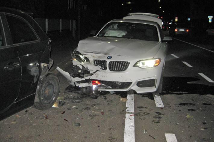 In Mettmann baute ein 26-Jähriger alkoholisiert einen Unfall.