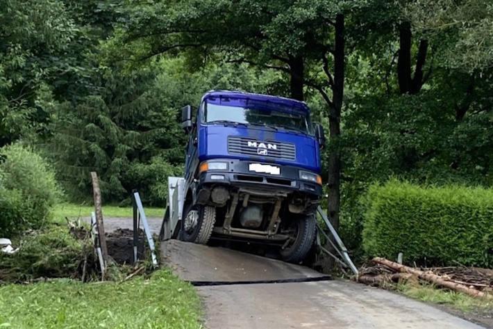Brücke unter Lastwagen zusammengebrochen in Gerolstein