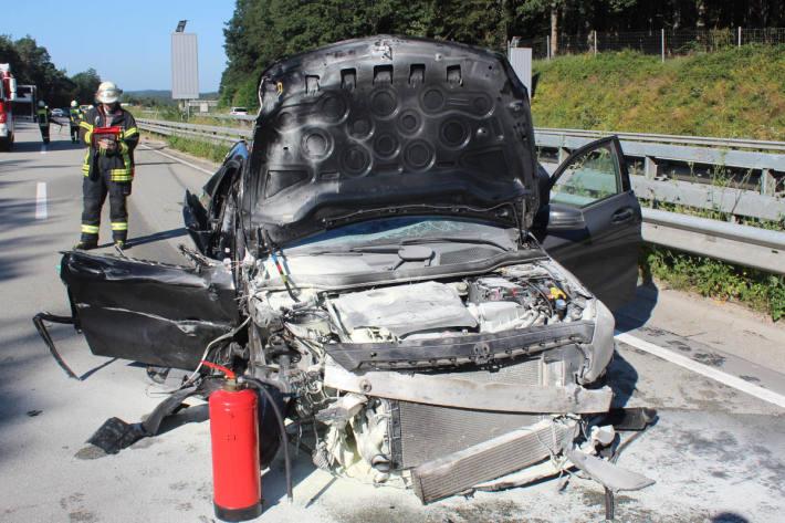 Alkoholisierter PKW-Fahrer fährt ungebremst auf Sattelzug auf