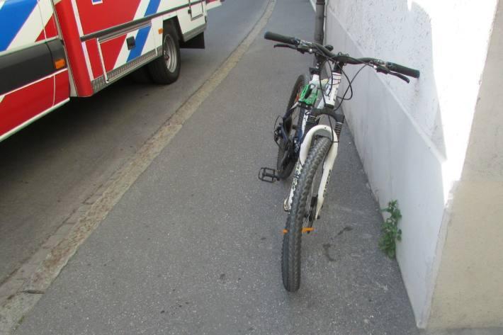 Der 14-Jährige verletzte sich beim Unfall gestern in Glarus.