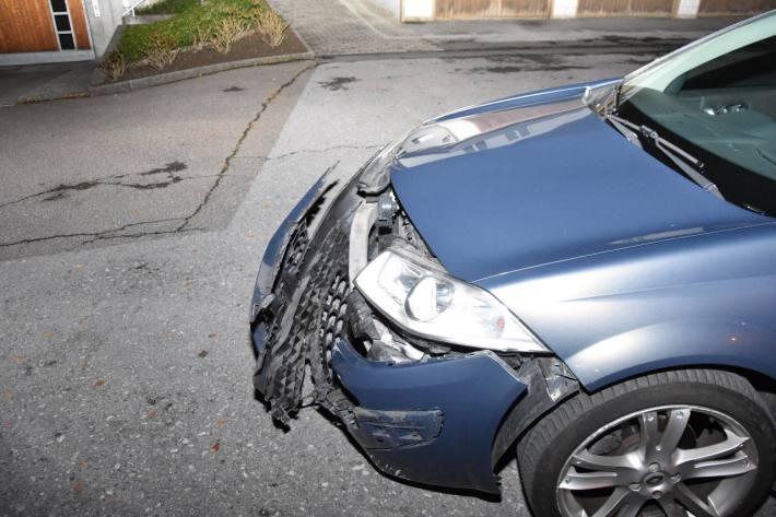 Der Lenker vom Renault musste gerstern in Schmerikon SG den Führerschein abgeben.