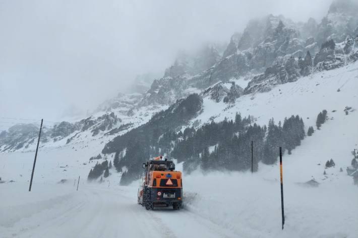 Nicht nur in den Bergen wird bis Freitagabend sehr viel Neuschnee fallen.