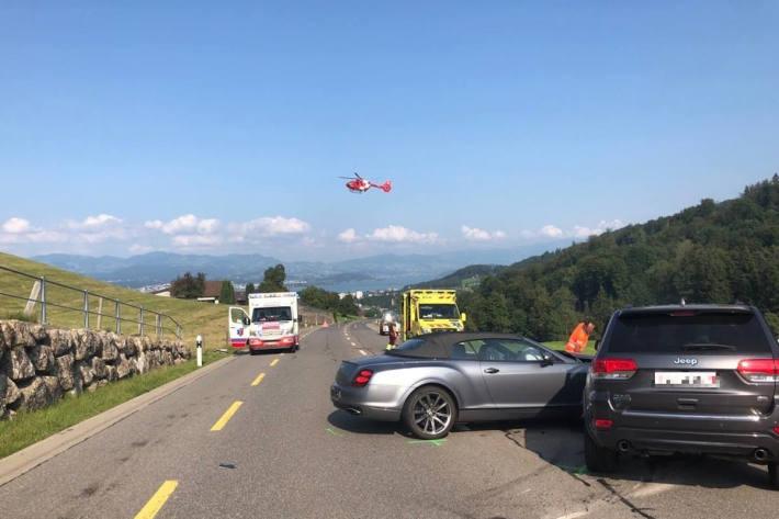 Sechs Verletzte nach Verkehrsunfall mit vier beteiligten Personenwagen