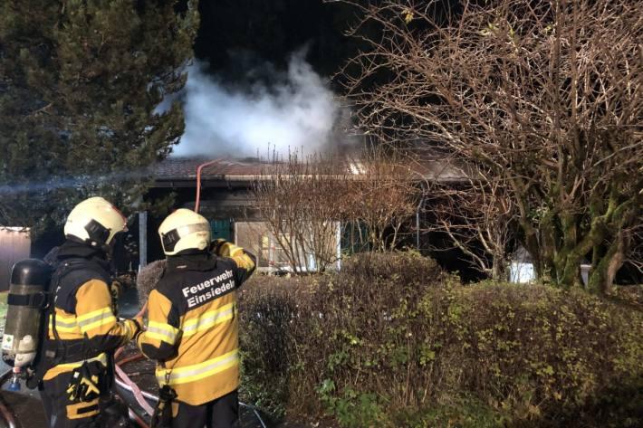 In Gross SZ brannte es gestern in einem Ferienhaus.
