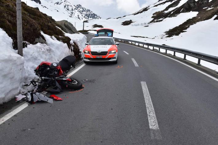 Bild von der Unfallstelle am Flüelapass.