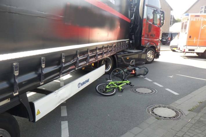 Radfahrer bei Zusammenstoß mit LKW in Goch verletzt
