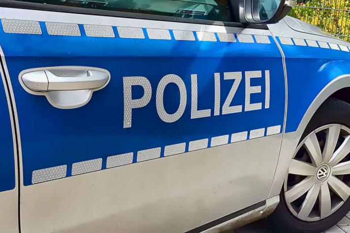 Die bisherigen Ermittlungen haben in  Celle ergeben, dass der Mann zunächst die Frau mit einer Schusswaffe tötete, bevor er sich selber mit der Waffe erschoss (Symbolbild)