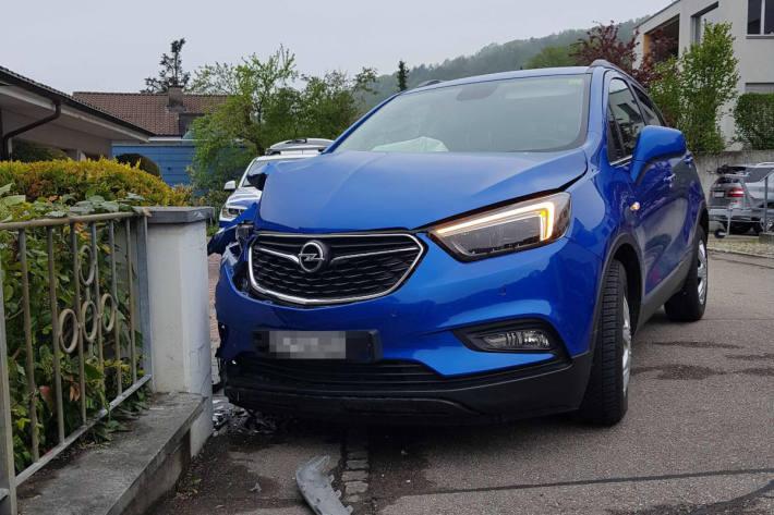 Unfallfahrzeug in Klingnau AG