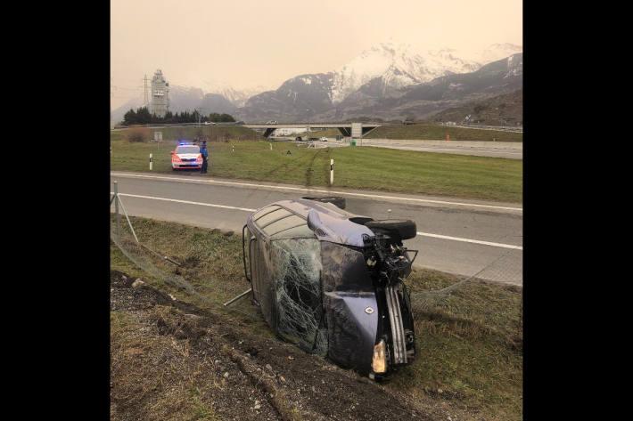 Fahrzeuglenker nach Verkehrsunfall verhaftet bei Sitten