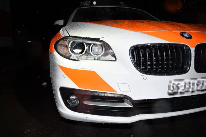 Fahrunfähig in Polizeiauto geprallt in Buchs