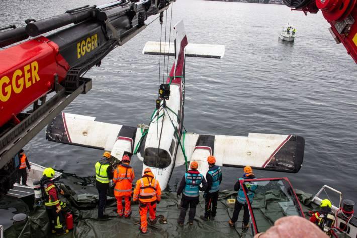 Das Flugzeug konnte heute in Altenrhrein SG aus dem Bodensee geborgen werden.