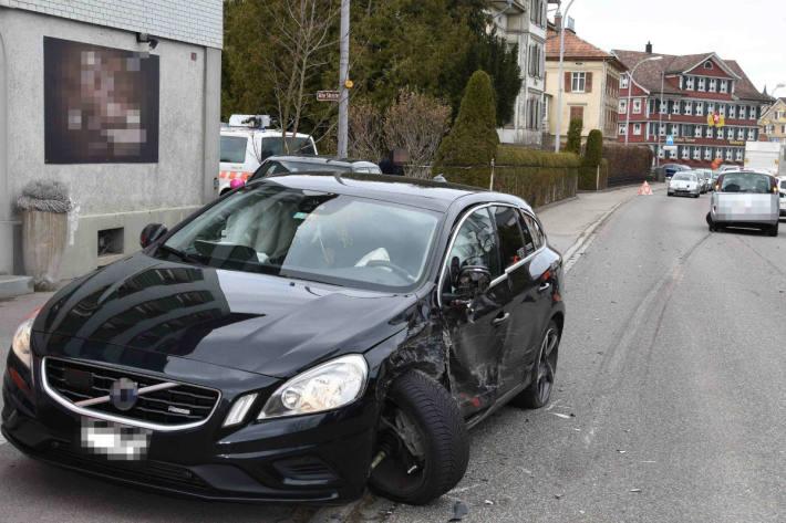 Der Unfall führte zu Stau.