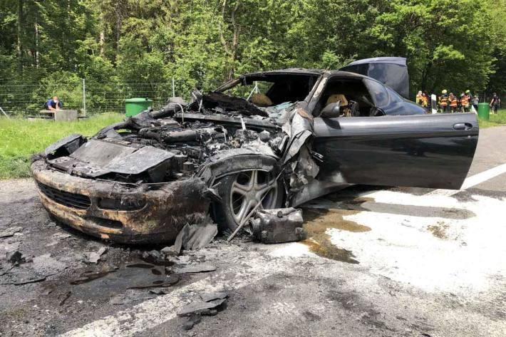 Hoher Sachschaden nach Fahrzeugbrand in Kriessern