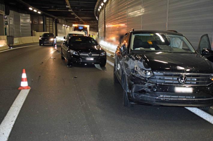 Kind bei Verkehrsunfall auf der Autobahn verletzt