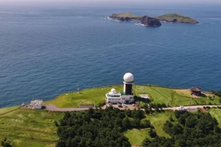 Die Gosan-Messstation - Teil des AGAGE-Messnetzes – liegt auf der Insel Jeju in Südkorea. Die Messungen dieser Station wurden in der Studie verwendet, um die Emissionen aus China zu quantifizieren.