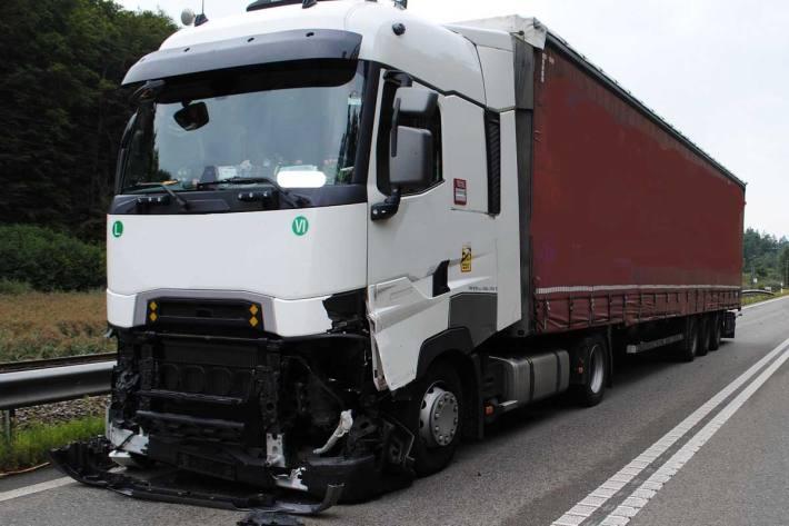 Autobahn nach Unfall komplett gesperrt