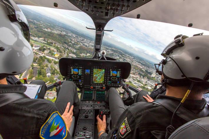 Symbolbild: Innenansicht Hubschraubersuche