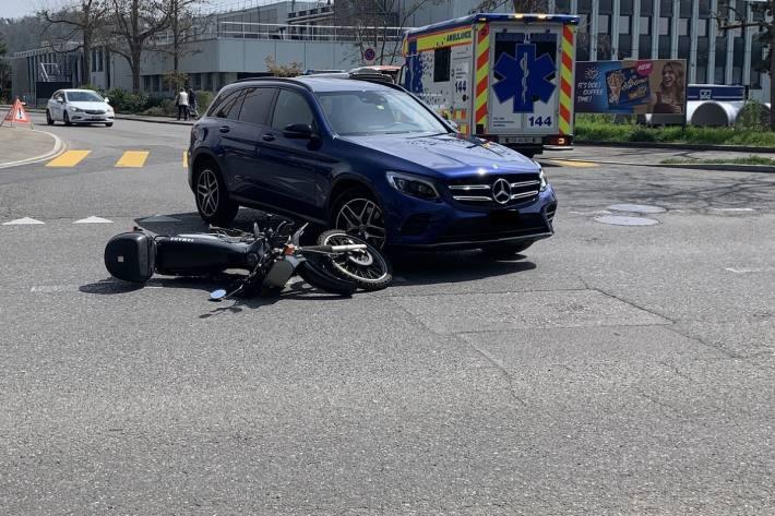 Beim Unfall von heute in Schaffhausen wurden ein Motorradfahrer verletzt.