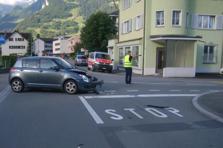 Kollision zwischen zwei Personenwagen in Altdorf