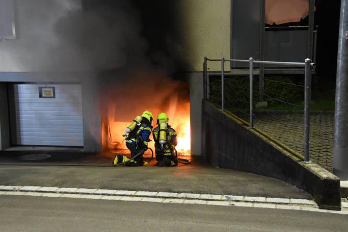 Brand in Garage richtet hohen Schaden