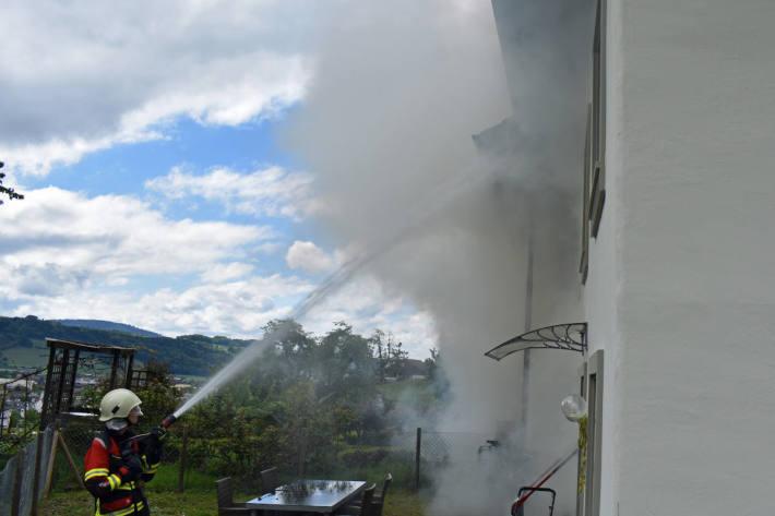 Brennende Kerze verursacht Wohnungsbrand in Hitzkirch