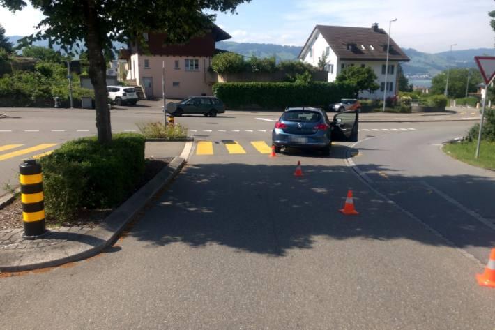 In Rapperswil-Jona SG kam es gestern zu einem Unfall mit einem verletzten Velofahrer.