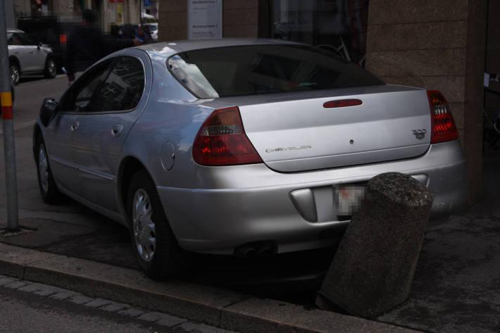 Fahrunfähig mit Auto mehrere Schäden verursacht in Rorschach
