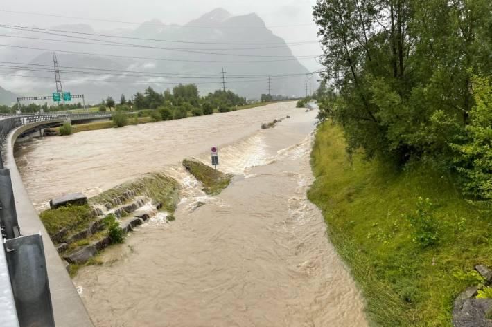 Die Hochwasser Situation im Kanton Uri spitzt sich zu.