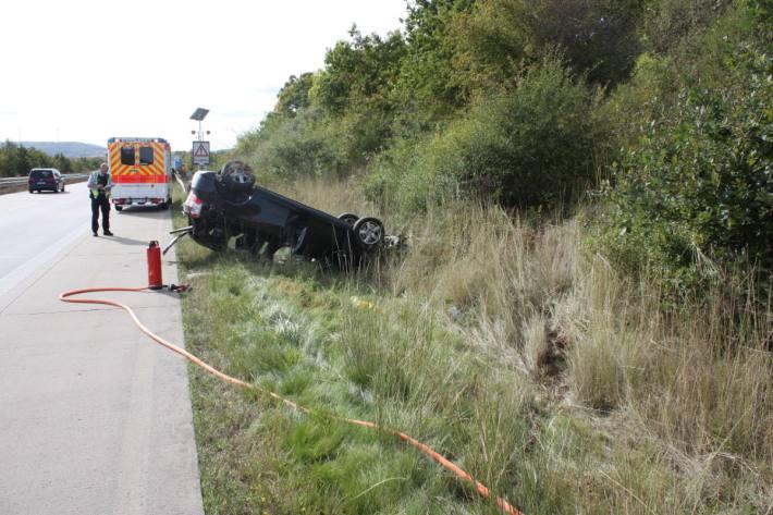 An der Anschlussstelle Goellheim verunglückte gestern ein Autolenker.