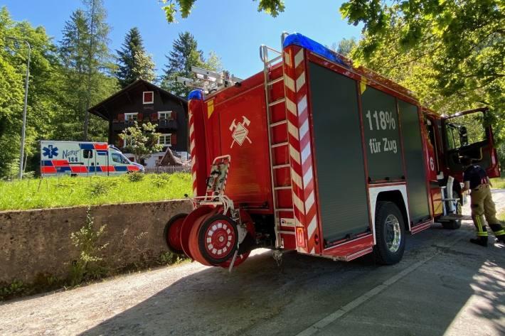 Gestern brannte es in Oberwil bei Zug in einem Mehrfamilienhaus.