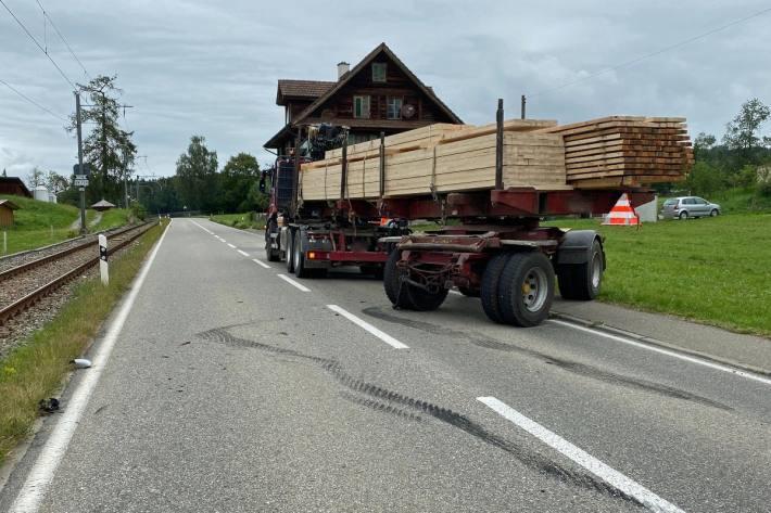 Beim Unfall in Hohenrain LU wurde eine Person verletzt.